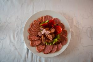 Колбасное ассорти